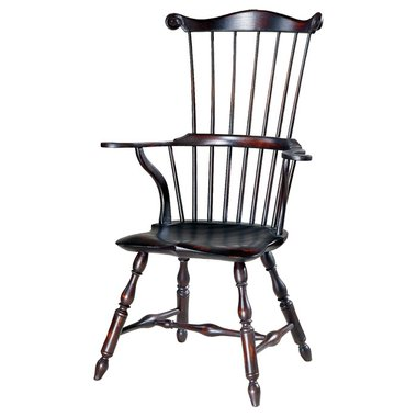 D R Dimes Serpentine Arm Comb Back Windsor Chair Windsor